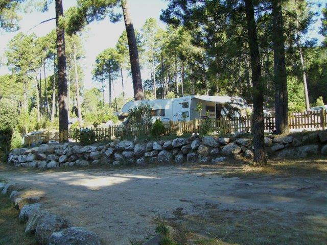 Des emplacements dédiés aux camping-cars et caravanes
